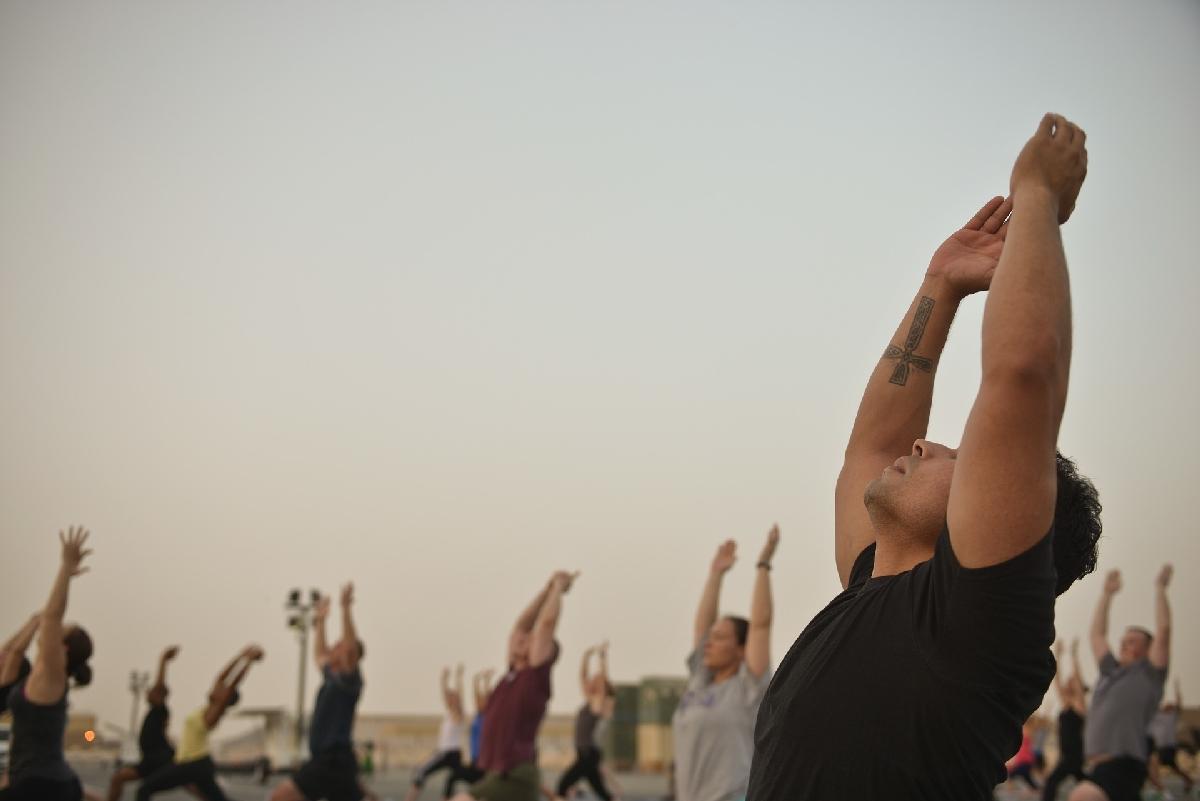 Yoga für Männer - Karuna Raum für Yoga
