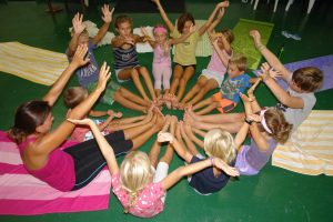 Kinderyoga mit Klangreise - Schnupperstunde
