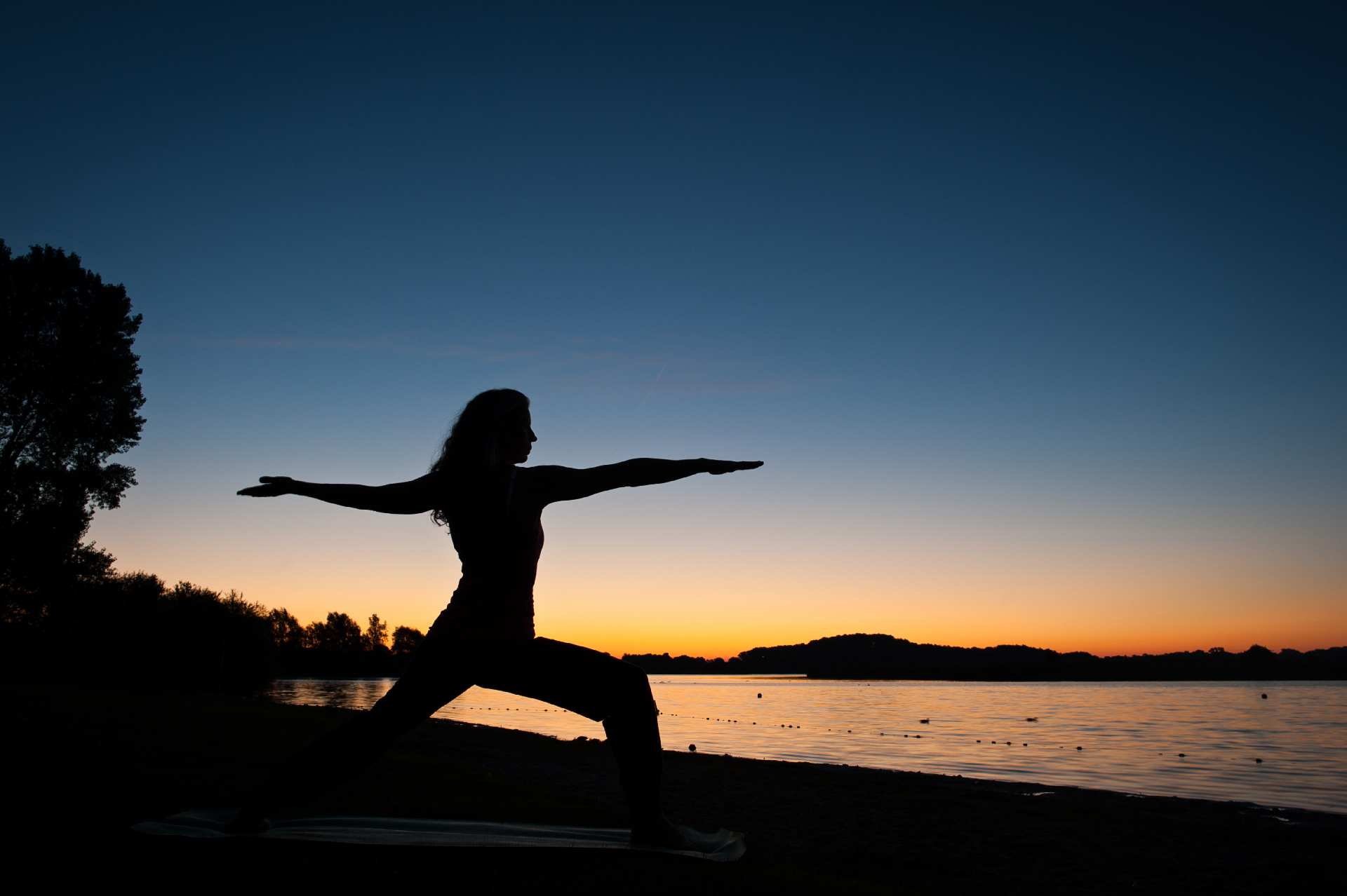 Adjustment und Hilfestellung im Yogaunterricht @ PARACELSUS HEILPRAKTIKERSCHULE KIEL