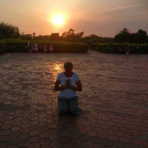 Meditation beim Sonnuntergang