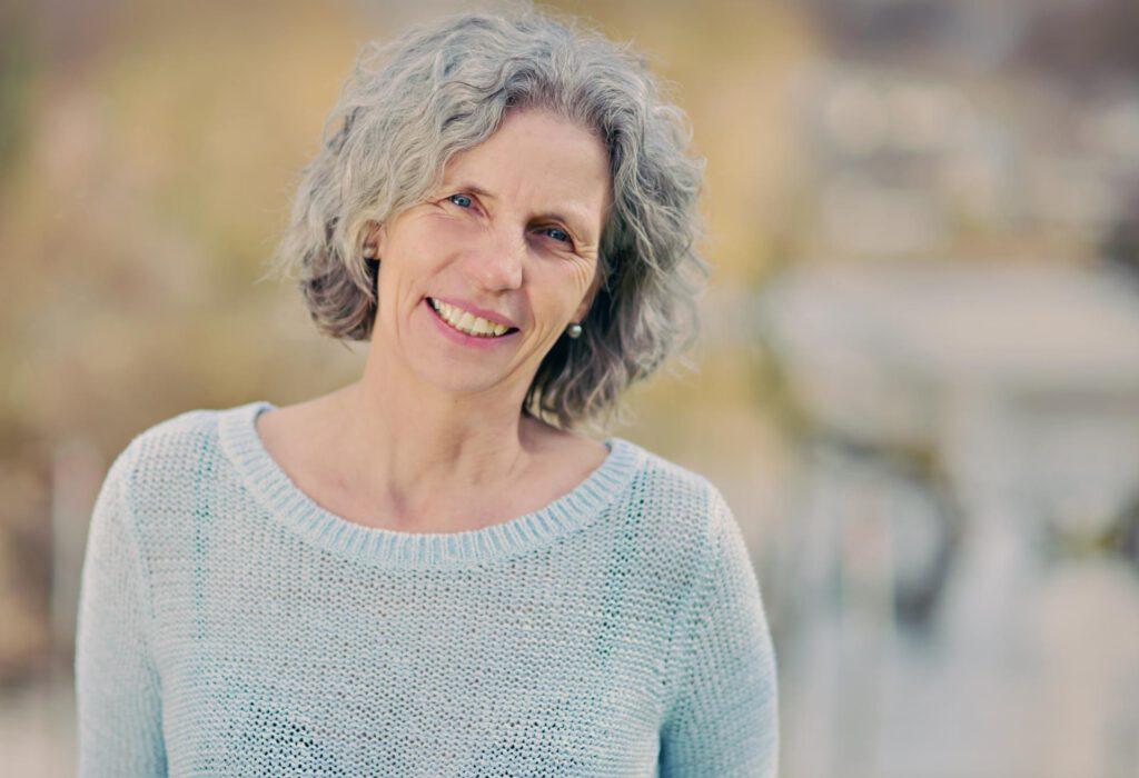 Gabriele Oltersdorf vom Karuna Lebenskraft Coaching motiviert Dich mit Herz und Ihrem einzigartigen Können auf Deinem Weg in Dein Potenzial.